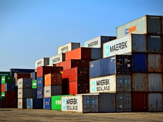 Jasa trucking container 20, 40, 45 feet Jakarta