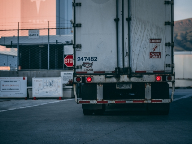 Jasa Angkutan Kontainer Volume 20 ton 30 ton