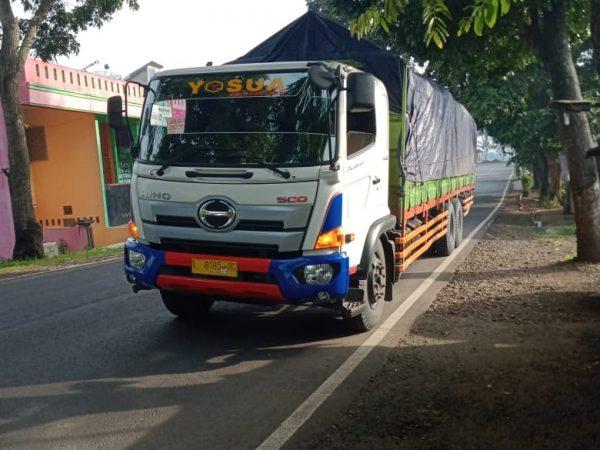Jasa pengiriman barang cargo darat terbaik di Surabaya
